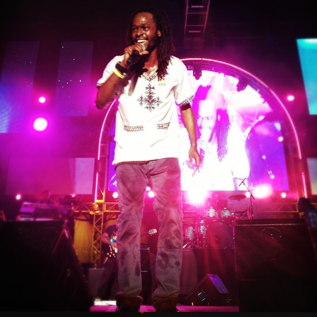 Playing his part in the reggae revolution @jesseroyal at @reggaesumfest…